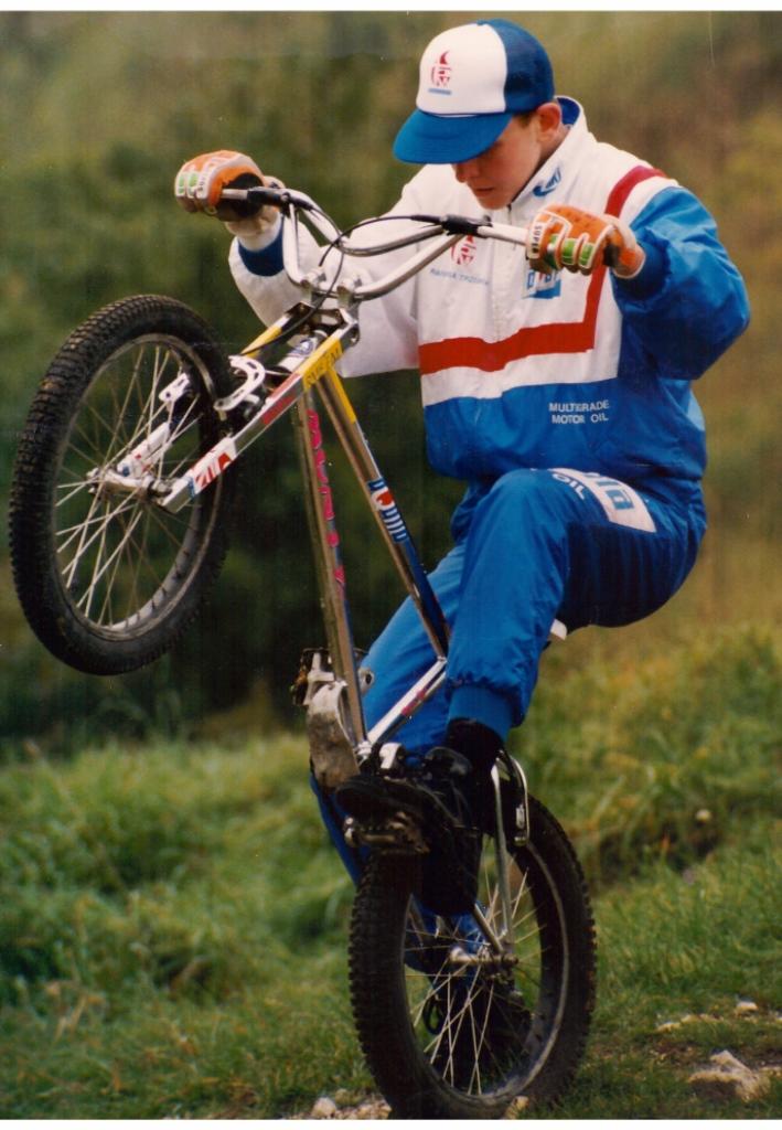 Janusz  Strzelczyk  wielokrotny indywidualny i drużynowy medalista Mistrzostw Polski