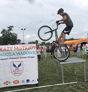 Pokaz trialu rowerowego w Kaliszu